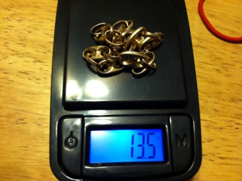 gold bracelet on scale 13.5 grams